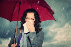Cảm lạnh khi nhiễm nước mưa: Nguyên nhân và cách phòng tránh