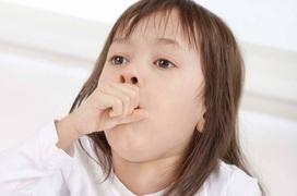 Cha mẹ cần lưu ý những gì khi chăm sóc trẻ mắc bệnh viêm đường hô hấp trên?