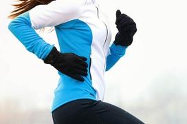 Nhiệt độ sáng sớm và đêm vẫn thấp, cần làm nóng trước khi tập thể dục mùa đông đúng cách