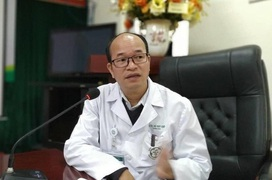 PGS Bệnh Viện Bạch Mai phân tích các triệu chứng phổ biến ở người nhiễm SARS-CoV-2 tại Việt Nam mới nhất