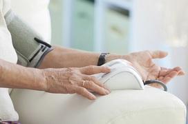 8 cách quản lý huyết áp ở người cao tuổi luôn ổn định và an toàn