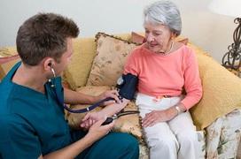 Hướng dẫn cách phòng tránh cao huyết áp ở người cao tuổi
