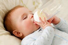 Sữa công thức để được bao lâu? Hướng dẫn mẹ cách bảo quản sữa công thức