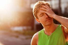 Đau đầu do nắng nóng: Khuyến cáo từ chuyên gia khi đối phó với đau đầu do thời tiết