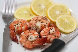 Những thực phẩm không nên ăn cùng tôm