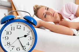 Nguyên nhân và cách khắc phục chứng mất ngủ ở phụ nữ trung niên
