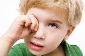 Cha mẹ chớ coi thường bệnh tăng nhãn áp ở trẻ em