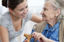 Những lưu ý quan trọng khi chăm sóc người bệnh Alzheimer giai đoạn cuối