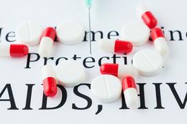 Ám ảnh với biến chứng của HIV/AIDS