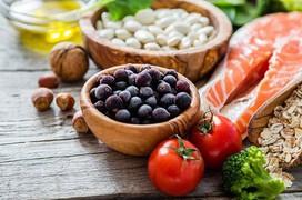 Ăn gì tốt: Chế độ dinh dưỡng cho từng nhóm máu