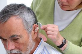 Bệnh khiếm thính có chữa được không? Làm thế nào để ngăn ngừa tình trạng mất thính giác?