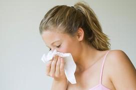 Thời tiết khô hanh quay trở lại Hà Nội, dưới đây là lời khuyên của chuyên gia dành cho người thường xuyên bị khô mũi