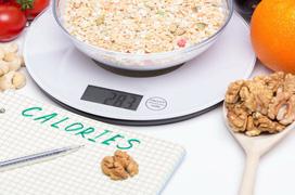 Thâm hụt calories là gì? Bạn nên ăn bao nhiêu để giảm cân an toàn và hiệu quả?