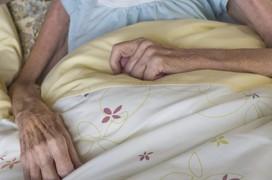 Bất ngờ giảm 8kg, người phụ nữ phát hiện ung thư dạ dày di căn vào buồng trứng