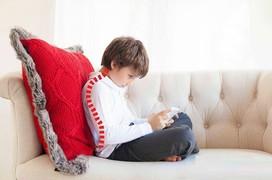 Vì sao cần kiểm tra cong vẹo cột sống ở trẻ từ sớm?