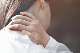 Cơn đau mỏi vai gáy bên phải là bệnh gì?