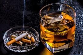 Giảm nguy cơ ung thư thực quản bằng cách từ bỏ 4 thói quen này!