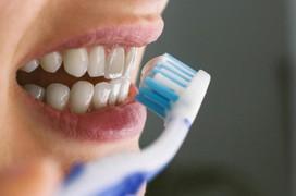 Gợi ý cách chăm sóc răng miệng cho bệnh nhân ung thư thực quản