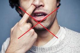 Ngoáy mũi, xì mũi tưởng vô hại nhưng nguy hiểm khôn lường