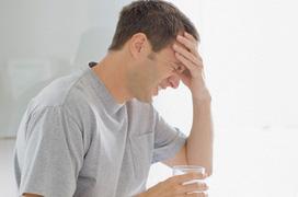 Sốt liên miên nhưng thân nhiệt không cao? Coi chừng dấu hiệu cảnh báo sớm của bệnh viêm xoang