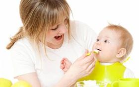 Điều trị viêm xoang cho trẻ cần lưu ý gì? Hút mũi cho trẻ có thật sự cần thiết?