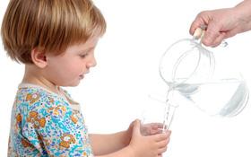 Một vài gợi ý giảm mất nước, bù điện giải cho người bị sởi