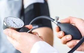 8 trên 10 người đột quỵ đều bị tăng huyết áp, bác sĩ chỉ cách kiểm soát huyết áp vào mùa Đông