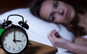 Mất ngủ: Đánh giá chất lượng giấc ngủ, tìm hiểu nguyên nhân và cách điều trị