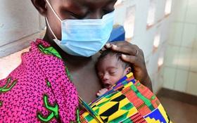 Quản lý sơ sinh tốt có thể ngăn nhiễm virus SARS-CoV-2 từ mẹ sang con