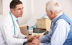 Sai lầm khi chăm sóc sức khoẻ cho người cao tuổi lúc giao mùa hè - thu