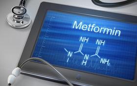 Suy đa cơn quan do tự tiêm truyền dẫn tới ngộ độc thuốc điều trị đái tháo đường Metformin