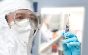 Tổ chức Y tế Thế giới khuyến cáo nhóm người nào không nên tiêm vaccine COVID-19?