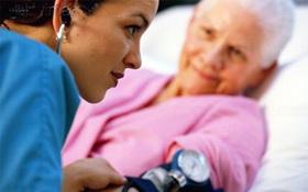 Cao huyết áp ở người già và những lưu ý điều trị an toàn