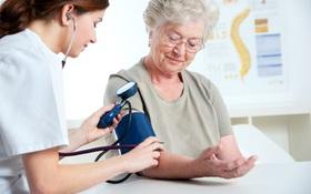 Điểm danh 5 cách phòng bệnh tim mạch ở người già hiệu quả