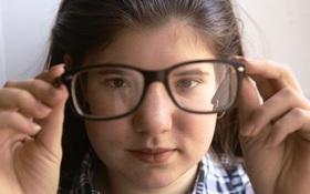 Dại mắt do đeo kính cận: Nguyên nhân và cách khắc phục hiệu quả