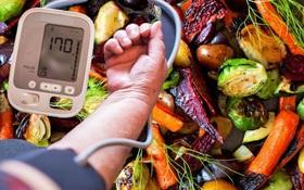 Kiểm soát ăn uống để sống chung với bệnh cao huyết áp