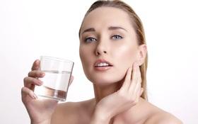 Bị mắc bệnh quai bị nên uống gì và không nên uống gì?