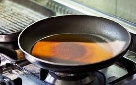 Nhiệt độ sôi của dầu ăn là bao nhiêu? Lưu ý khi sử dụng dầu ăn để bảo vệ sức khỏe
