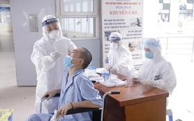 SARS-CoV-2 ngày càng nguy hiểm? Chuyên gia chỉ ra 5 tác động khó lường của biến thể virus