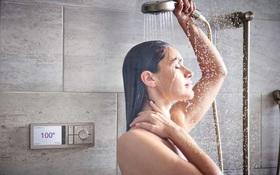 Cảnh báo về sức khoẻ khi tắm đêm vào mùa hè