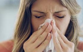 Khô mũi có phải là triệu chứng của COVID-19 không?