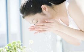 Rửa mặt bằng nước vo gạo có giúp làn da trắng mịn hay không?