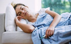 Hướng dẫn chăm sóc người mắc COVID-19 tại nhà đúng cách, an toàn