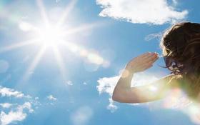 Hiện tượng mắt bị chói khi ra nắng, cần làm gì để bảo vệ mắt?