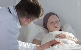 Xạ trị ung thư buồng trứng và những tác dụng phụ không mong muốn