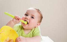 Các mốc dinh dưỡng cho bé theo từng giai đoạn bố mẹ phải ghi nhớ