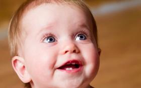 Lưu ý khi trẻ mọc răng bố mẹ cần phải nhớ