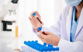 Bệnh viêm phổi khi giao mùa là gì? Ai dễ mắc bệnh, dấu hiệu và cách phòng ngừa