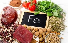 Ăn gì để trị gàu và nguyên tắc phòng tránh bệnh gàu quay lại