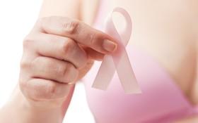 """Làm gì để cải thiện """"chuyện chăn gối"""" sau điều trị ung thư vú?"""